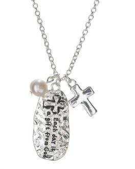 23061 Halskjede - Hammered Cross Charm & Imitation Pearl Oval Pendant Necklace